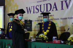 wisuda-iv-ak-tekstil-solo